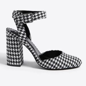 Forever 21 Hounds Tooth Chunky Heels Size 5.5